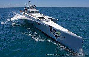 Un navire de Sea Shepherd sérieusement endommagé dans une tempête : le Steve Irwin répond à un appel de détresse émis par le Brigitte Bardot